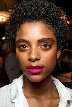 The vibe: Miami heat Get the look:Makeup artist Sammy Mourabit created…
