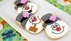 Frosty the Snowman Cookies Tutorial - Semi Sweet Designs (uses a skull cookie cutter! Snowman Cookies, Christmas Sugar Cookies, Holiday Cookies, Christmas Baking, Christmas Treats, Snowman Cupcakes, Christmas Parties, Fancy Cookies, Iced Cookies