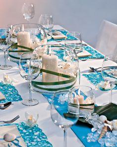 """Tischdekoration: Muscheln & Meer - Diese Tischdekoration wurde von Blickfang nach den Wünschen unserer Leser gestaltet: """"Der Antrag wurde mir in Portugal gemacht. Den Hauptteil des Urlaubs haben wir an der Algarve verbracht, wo wir mit dem Kanu zu einsamen Inseln fahren konnten."""