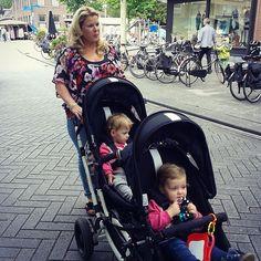 Thanks @dottygreyhound and @nathaliebunschoten  #abcdesign #thinkbaby #zoommoments #twins #tandem #city_trip #shopping #walking #kinderwagen #cute #city #instagood #children #kids #abcdesign_zoom #zoom