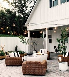 25 Inviting And Cozy Porch Ideas That Celebrates Outdoor Living