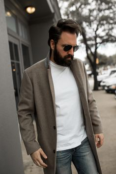 Did you just wake up and have a date to pick up in Pair your tee with a peacoat and light wash jeans for a bit of a more casual look! Date Outfit Casual, Date Outfits, Casual Outfits, Men Casual, Date Dresses, Fashion Project, Instagram Fashion, Autumn Fashion