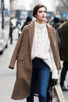 10 pieces of clothing of the Parisian winter style - Streetstyle - . - 10 pieces of clothing of the Parisian winter style – street style – … – Winter fashion - La Fashion Week, Fashion Mode, Milan Fashion Weeks, Look Fashion, Fashion Trends, Fall Fashion, Womens Fashion, Fashion Ideas, Plaid Fashion