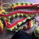 Vandaag ben ik een nieuw #haakwerkje gestart. Het plan is om een grote kussen te bekleden met allerlei kleurtjes voor in de slaapkamer van de meisjes. Mijn tweede doel is om nieuwe #haaksteken uit te proberen...#restjeswolopmaken #haken #crochet #hakeln . . Today I started a new project: I want to make a cover for a big cushion for the childrens bedroom, meanwhile trying out some new #crochetpatterns #week-endactivity #yarnaddict #crochetlover