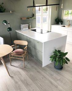 Derfor har Pernille vundet en pris for sine farvevalg derhjemme Wall Colors, House Colors, Colours, Victoria Terrace, Küchen Design, Interior Design, Sweet Home, By Lassen, Living Room Kitchen