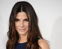 Expert tips on how to wear this sexy trend Celebrity Red Carpet, Celebrity Makeup, Makeup Tips, Hair Makeup, Red Carpet Makeup, Sandra Bullock, Celebrity Hairstyles, Makeup Looks, Lips