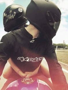 Motorcycle couple girls new Ideas Motorcycle Couple Pictures, Bike Couple, Motocross Couple, Biker Love, Biker Girl, Couple Relationship, Cute Relationships, Cute Couples Goals, Couple Goals
