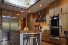 Indoor-Oudoor Kitchen with Island Studio Bergtraun