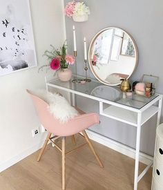 Sensitive Information About Simple DIY Bedroom Vanity That Only the Experts Know About - thehomedecores Cute Room Decor, Teen Room Decor, Bedroom Decor, Bedroom Ideas, Vanity Design, Dream Rooms, New Room, Girl Room, Room Inspiration