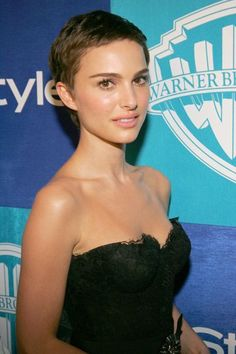 Unbearably Cute Pixie Hairstyles: Natalie Portman Style - Hairstyles For All Natalie Portman Short Hair, Natalie Portman Style, Natalie Portman Shaved Head, Very Short Hair, Super Short Hair Cuts, Short Short Hair, Short Hair For Girls, Girls Short Haircuts Kids, Super Short Pixie