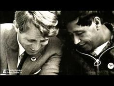 This LA Times photo captures a moment of friendship between Bobby Kennedy and Cesar Chavez during Chavez's fast in Robert Kennedy, Ethel Kennedy, Jackie Kennedy, Cesar Chavez, Chicano, Bobby, Mexican American, Hippie Life, People Talk
