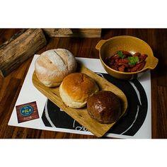 #Jueves  de #PoloBistró  Ven a disfrutar de nuestros ricos panes artesanales Son una delicia! #HechoenCasa
