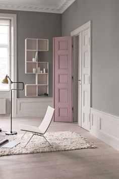 pretty pastel palette and pop of emerald green and blush - really, Attraktive mobel