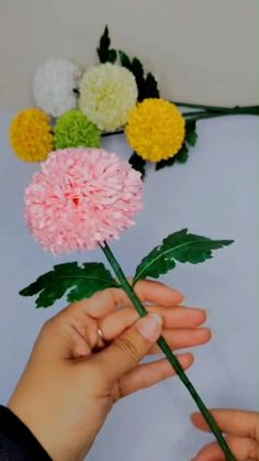 Diy Crafts Hacks, Diy Crafts For Gifts, Creative Crafts, Handmade Flowers, Diy Flowers, Fabric Flowers, Tissue Paper Flowers, Paper Flower Making, Paper Flower Diy Easy