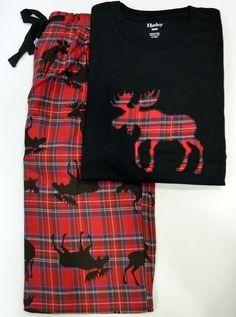 #Pijamas #hatleys Moose on Plaid. Pijama en tono negro y rojo en 100% Algodón. #RopaInteriorMasculina #hombre #regalos #navidad. http://www.varelaintimo.com/40-pijamas
