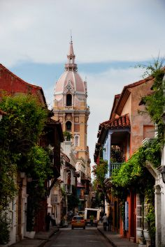 The old city of Cartagena, Colombia (by OneEighteen).