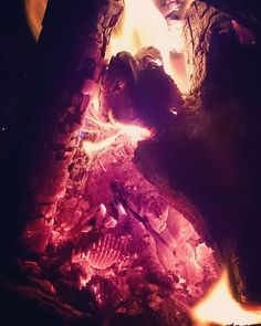 Beautiful fire, chilling with friend's at a.campfire :) #fire #campfire #stapelen #friends #photography #boxtel #nature