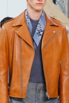 #youcancallmehitch #barneybarrett #minimalism #fashion #style #louisvvuitton #bandana #LV #malemodel #barney_barrett