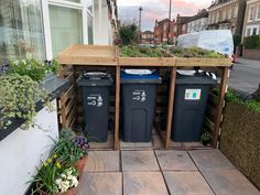 Build your own living roof bin store – Little Terraced House At the momen… Victorian Front Garden, Victorian Terrace, Recycling Storage, Storage Bins, Garbage Storage, Terraced House, Bin Store Garden, Garage Velo, Bin Shed
