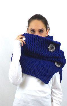 https://www.etsy.com/it/listing/253867387/maxi-sciarpa-lana-anello-camino-blu?ref=shop_home_active_3