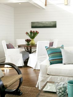 love the canvas and white chairs