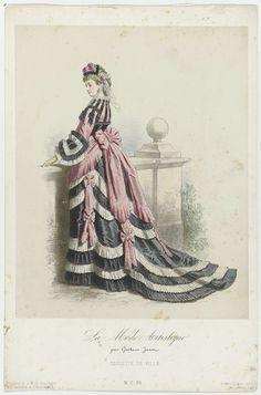 Anonymous | La Mode Artistique, ca. 1873, No. 51 : Toilette de ville, Anonymous, Lemercier & Cie, c. 1873 | Vrouw, staande bij een balustrade, gekleed in een kostuum voor de stad. De japon is verzierd met gerimpelde banen, om de taille zit een brede band gestrikt. De manchetten zijn gemaakt uit gerimpelde banen stof.