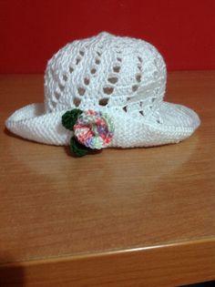 Gorrito para niña Crochet Hats, Beanie, Caps Hats, Summer Time, Handbags, Crocheted Hats, Beanies, Beret
