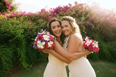 Colorful tropical bouquets - plumeria & roses - Anna Kim Photography