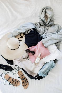 Travel Light : Cold to Warm Climate Packing - Hej Doll Easy Mom Fashion, After Sun Spray, Skins Leggings, Winter Beach, Prada Sunglasses, Fashion Capsule, Purse Styles, Lace Up Sandals, What To Pack