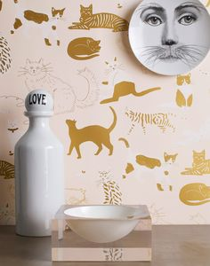 Our new Cat's Meow (Blush) is the purr-fect wallpaper for the cat lover in your life. Blush Wallpaper, Modern Wallpaper, Home Wallpaper, Animal Wallpaper, Wallpaper Ideas, Cat Pattern Wallpaper, Art Deco, Gold Interior, Home Decor Bedroom