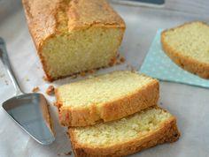 In een van de tijdschriften kwam ik een recept voor de perfecte boerencake tegen. De echte ouderwetse Hollandse boerencake, vanbinnen smeuïg en luchtig en met een goudbruin randje, en natuurlijk met een gescheurde bovenkant, dat was me nooit zo goed gelukt.