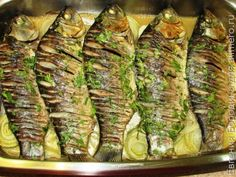 Караси в сметанном соусе Other Recipes, Fish Recipes, Seafood Recipes, Cooking Recipes, Fish Dishes, Fish And Seafood, Street Food, Asparagus, Zucchini