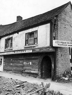 Secret Coventry: The incredible long-forgotten tale of Spon Street - CoventryLive Timber Buildings, Coventry City, 17th Century Art, Old London, Luxor Egypt, West Midlands, Local History, Future City, British Museum