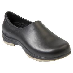 The Women's Working DAWGS shoe feature durable Firestoneメs Destination A/T Tread on the soles. It is super lightweight and easy to clean making it perfect for various working enviroments. The Working Dawgs also features cushioned insoles and work with ort Clogs Shoes, Mules Shoes, Black Work Boots, Low Heels, Comfortable Shoes, Suede Leather, Extreme Heat, Washing Machine, Clog Sandals
