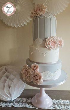 Paloma y pálido rosado oscuro Birdcage Wedding Cake