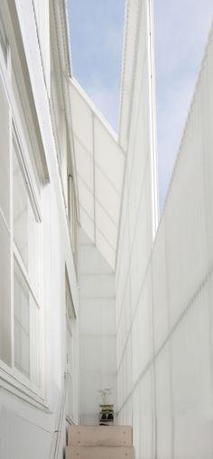 Transluscent Screen  -- Gallery of KCH / Kochi Architect's Studio - 6