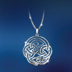 Original nice treatment of a Celtic knot motif. Rosalie, Silverware Jewelry, Celtic Designs, Celtic Knot, Fashion Jewelry, Jewelry Making, Fancy, Pendant Necklace, Jewels