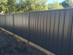 Gorgeous Black Wooden Fence Design Ideas For Frontyards 27 Corrugated Metal Fence, Metal Fence Panels, Wooden Fence, Wooden Garden, Metal Fences, Wood Fence Design, Privacy Fence Designs, Diy Fence, Backyard Fences