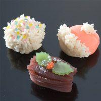 12月のお菓子 季節のお菓子 但馬屋老舗 Japanese Wagashi, Japanese Sweets, Japan Dessert, Traditional Japanese, Mochi, Buffet, Ethnic Recipes, Green, Desserts