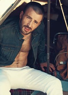 Chris Evans is my boyfriend... he just doesn't know it yet.  yup yup.