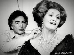Dame Joan Sutherland and Richard Bonynge backstage. Ricky always looks rather furtive in these types of photos. Joan Sutherland, Herbert Von Karajan, Opera Singers, Call Her, Classical Music, Golden Age, Candid, Musicians, Backstage