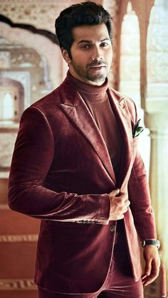 cutie Bollywood Suits, Bollywood Couples, Bollywood Actors, Bollywood Celebrities, Varun Dhawan Photos, Stylish Dp, Alia And Varun, Sr K, Indian People