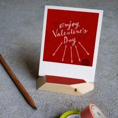 Whether for or against Valentine's Day, what's important is love! ❤️ // Pro o contro S. Valentino l'importante è amarsi! (Cit. @frank_a ) // Polaroid on our placeholders // Polaroid & i nostri segnaposti multiuso