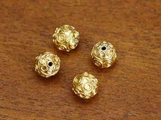 4 de Bali rond or Vermeil perle, 8 x 8 mm, B1182V,