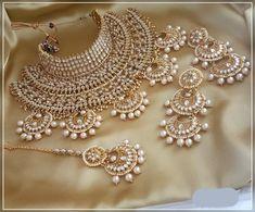 Kundan Bridal Choker Set - New Ideas Bridal Jewellery Inspiration, Indian Bridal Jewelry Sets, Indian Jewelry Earrings, Fancy Jewellery, Wedding Jewelry Sets, Bridal Accessories, Stylish Jewelry, Diamond Jewellery, Fashion Jewelry