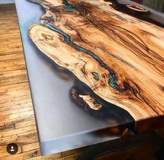 Epoxy Table Top, Epoxy Wood Table, Wood Tables, Wood Table Design, Rustic Design, Bancada Epoxy, Resin And Wood Diy, Diy Wood, Diy Tisch