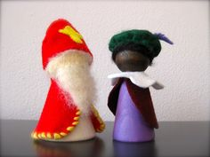 Sint en Piet (als peg doll) Handmade Christmas Decorations, Holiday Ornaments, Christmas Crafts, Diy For Kids, Crafts For Kids, St Nicholas Day, Saint Nicolas, Kegel, Kokeshi Dolls