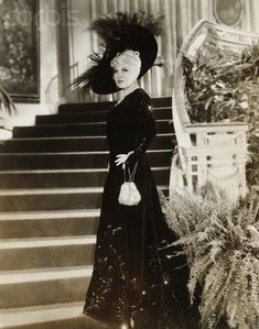 Mae West in Every Day's a Holiday in a costume designed by Schiaparelli Old Hollywood Glamour, Vintage Hollywood, Mae West Quotes, Drag Clothing, Republic Pictures, Contemporary Romance Novels, Hollywood Costume, Elsa Schiaparelli, Celebs