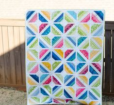 I have finished scrap quilt to share today! This quilt started with a piece of Anna Maria Horner fabric I've been hoarding for sever. Jellyroll Quilts, Scrappy Quilts, Baby Quilts, Denim Quilts, String Quilts, Colorful Quilts, Contemporary Quilts, Quilt Patterns Free, Quilting Designs