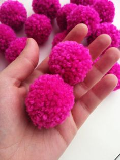 Pack of 20 Handmade Yarn Hot pink pompoms - Craft supplies 20pc bulk wholesale pom-poms yarn balls - Home décor rugs bunting DIY projects hot pink pink yarn balls pompoms pom-poms crafts diy projects projects doityourself handmade handcrafted craft 7.20 EUR #goriani